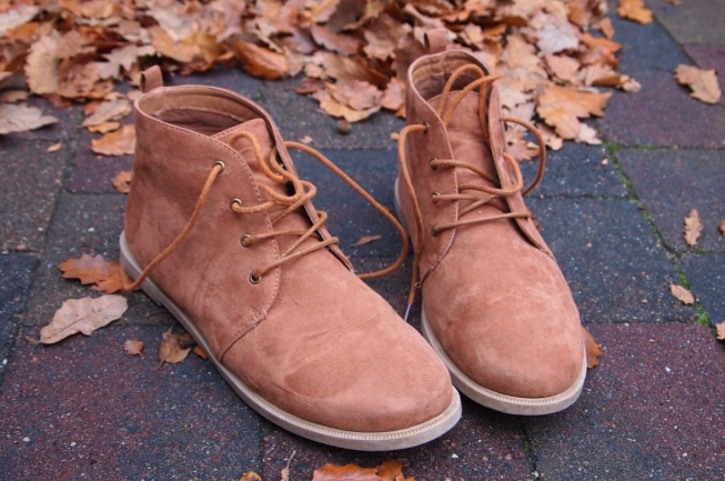 How To Use The Best Home Remedies For Cleaning Suede Shoes