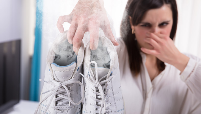 How to Treat Smelly Shoes